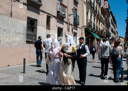 Women dressed in chulapa - traditional costume, Lavapies, Madrid, Spain - Stock Photo