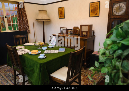 Dining room in a traditional British home in the 1930s - Stock Photo