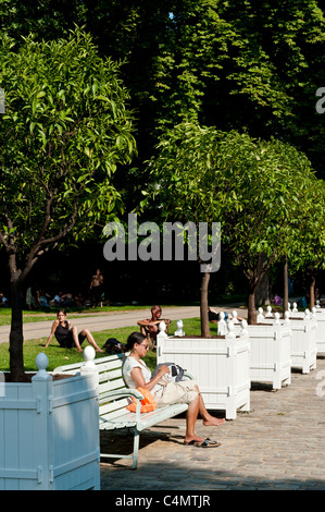 Bercy Park, Paris Rive Gauche neighborhood, Paris, France - Stock Photo