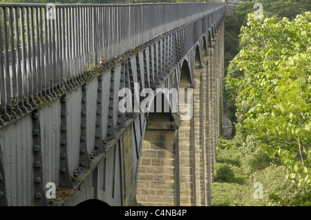 pontcysyllte aqueduct on the Llangollen canal, over the Rive Dee. - Stock Photo