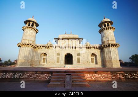 Itimad-ud-Daulah (tomb of Mizra Ghiyas Beg), Agra, Uttar Pradesh, India - Stock Photo
