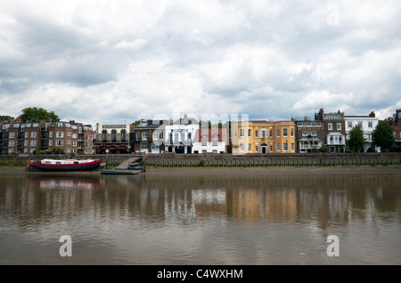 Riverside properties at Hammersmith, West London - Stock Photo