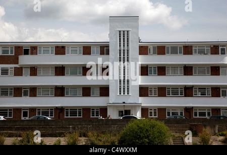Streamline Moderne style block of flats at Hammersmith, London - Stock Photo