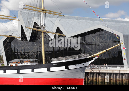 Riverside Museum of Transport and Travel and the Tall Ship Glenlee on the River Clyde, Glasgow, Scotland, UK - Stock Photo