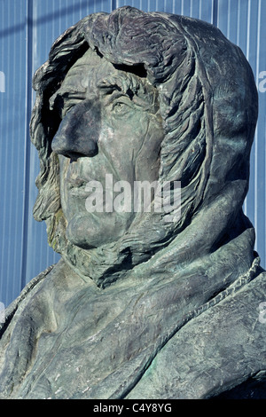 A bust in Nome, Alaska, USA, honors Norwegian explorer Roald Amundsen, who was the first to successfully navigate - Stock Photo