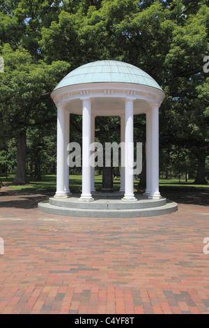 The Old Well, symbol of UNC, University of North Carolina, Chapel Hill, USA - Stock Photo