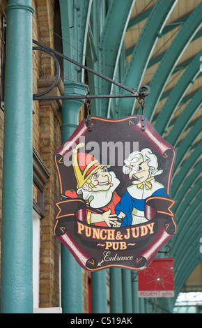 Punch and Judy pub sign, Covent Garden - Stock Photo