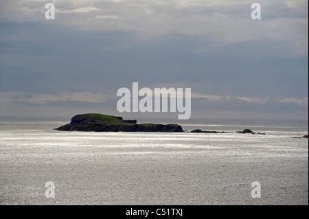Offshore islands in the sun, Shetland Isles, Scotland.  SCO 7434 - Stock Photo