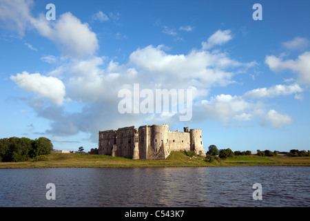 Carew Castle near the town of Pembroke in Pembrokeshire. - Stock Photo