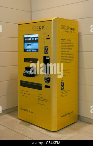 Gold to Go, Britain's first ever gold vending machine  in Westfield Shopping Centre in West London. - Stock Photo