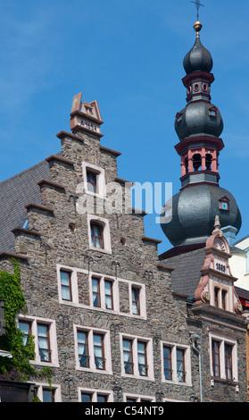 Giebel von alten Moselhaeusern, Sankt Martin Kirche, Cochem, Gable roofs, old houses at promenade, Saint Martin - Stock Photo
