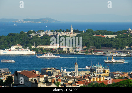 ISTANBUL, TURKEY. A view from Beyoglu district over the Golden Horn to Topkapi Palace and the Sea of Marmara. 2011 - Stock Photo