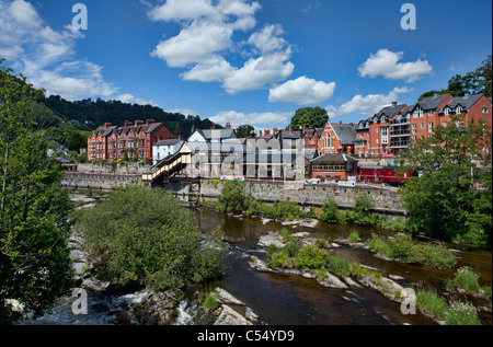 Llangollen town showing the River Dee. - Stock Photo