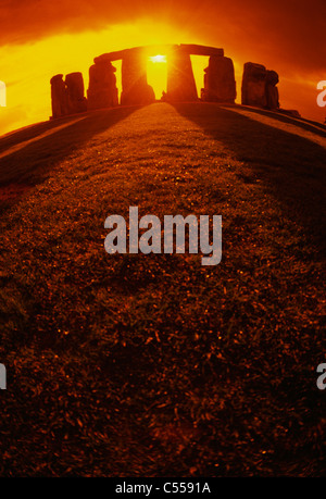 UK, England, Wiltshire, Stonehenge at sunset - Stock Photo