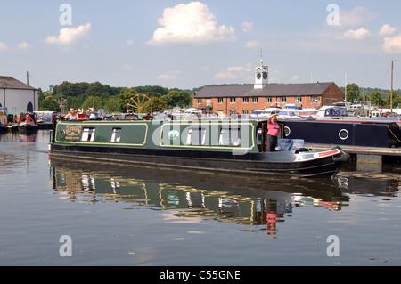 Narrowboat in canal basin, Stourport-on-Severn, Worcestershire, England, UK - Stock Photo