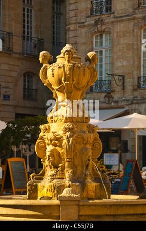 France, Aquitaine, Gironde, Bordeaux, Fountain in Place de la Bourse - Stock Photo