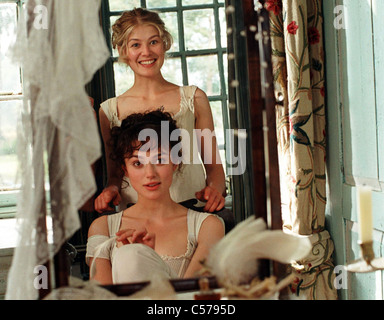 PRIDE AND PREJUDICE  2005 Focus Features/Universal Pictures/Studio Canal film with Rosamund Pike at top and Keira - Stock Photo