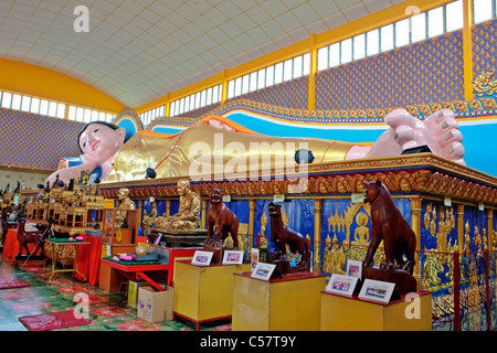 Reclining Buddha, Wat Chayamangkalaram Thai temple, Georgetown, Penang Island, Malaysia - Stock Photo