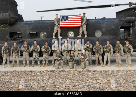 medal of honor recipient staff sgt clinton romesha talks with cbs stock photo royalty free