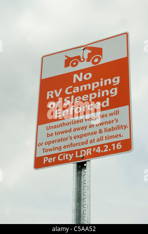 sign prohibiting RV camping in Wal Mart parking lot - Stock Photo