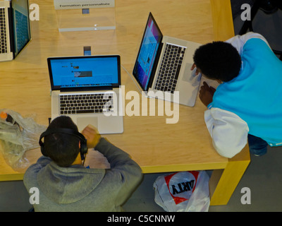 laptop computers on display in pc world london uk stock photo royalty free image 37228489. Black Bedroom Furniture Sets. Home Design Ideas