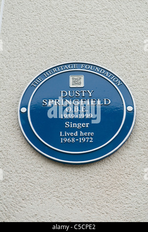 Blue Plaque Dusty Springfield singer lived here. Aubrey Walk. Holland Park Royal Borough of Kensington and Chelsea. - Stock Photo
