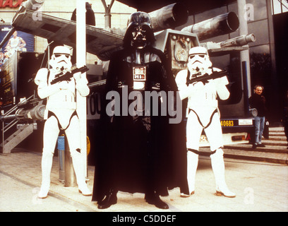STAR WARS: EPISODE IV - A NEW HOPE (1977) STAR WARS MERCHANDISE COSTUMES DARTH VADER, STORMTROOPERS STW - Stock Photo