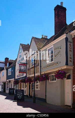 The Sun Inn at Faversham, Kent - built in the 14th century - Stock Photo