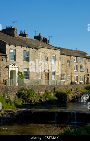 Houses in the village of Gayle, overlooking Gayle Beck, near Hawes, Wensleydale, Yorkshire Dales National Park, - Stock Photo
