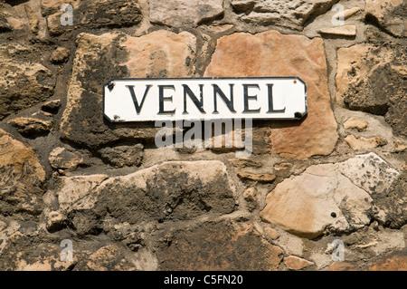 'Vennel' sign on the Flodden Wall, Edinburgh. - Stock Photo