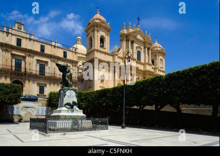 Dom and Palazzo Landolina in Noto, Sicily, Italy - Stock Photo