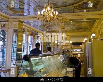 France paris old french bakery shop front boulangerie - Magasin deco paris marais ...