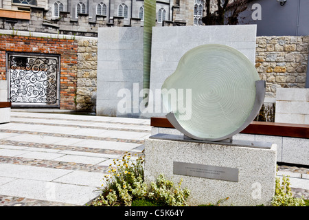 The Garda Síochána Memorial Garden in the grounds of Dublin Castle, Dublin, Republic of Ireland, - Stock Photo