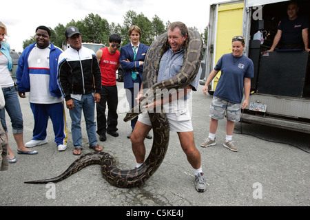 Snakes on a Plane  Year: 2006 - USA Director: David R. Ellis snake trainer   Jules Sylvester  Shooting picture - Stock Photo
