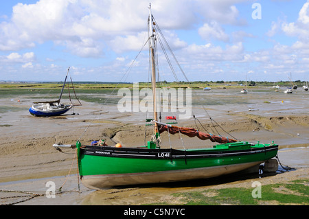 Cockle boat  Endeavour LO41 a Dunkirk 'Little Ships' at Leigh on Sea Essex England UK (see additional information - Stock Photo