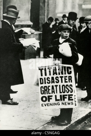 The newsboys announcing the sinking of the ship Titanic, London, 1912 - Stock Photo