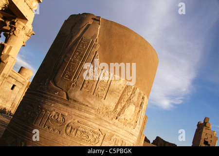 broken  column at kom ombo temple south of Egpyt - Stock Photo
