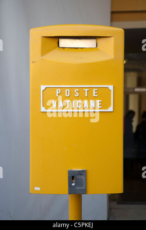 Vatican post Yellow Mailbox  Poste Vaticane sign outside post office - Stock Photo