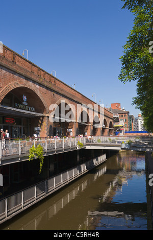 Deansgate Locks bars and restaurants, Manchester, England - Stock Photo