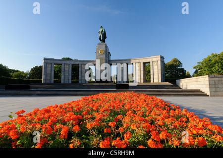 Soviet War Memorial in the Tiergarten park, Berlin, Germany, Europe - Stock Photo