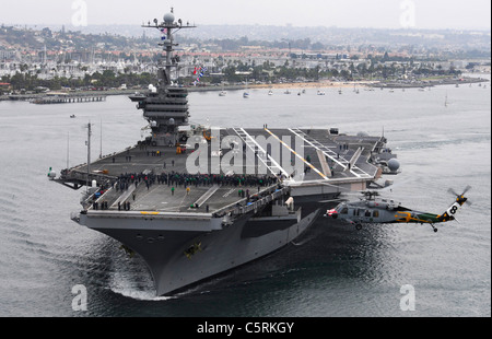 Nimitz-class aircraft carrier USS John C. Stennis (CVN 74) - Stock Photo