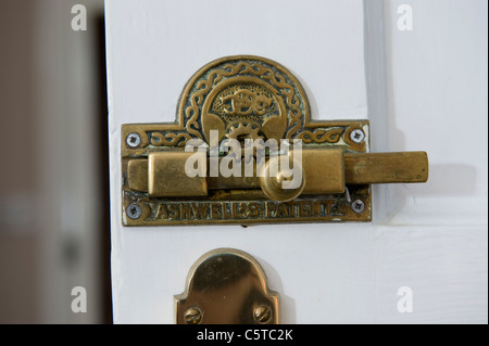 ... Antique Brass Bathroom Door Lock And U0027Vacantu0027 Sign   Stock Photo