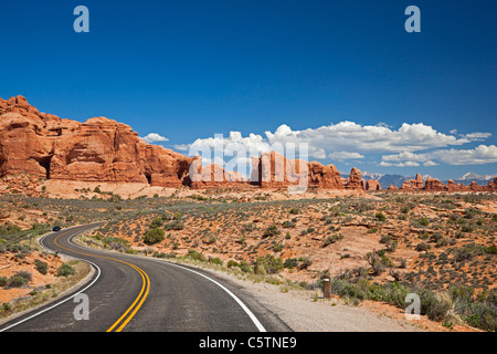 USA, Utah, Arches National Park, Road to the Windows Section - Stock Photo