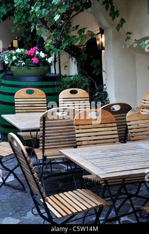 Heuriger Pub in Grinzing district of Vienna Austria Europe June 2011 - Stock Photo