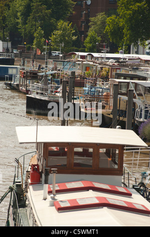 Houseboats on the river Thames, in Chelsea, London, England, UK. - Stock Photo