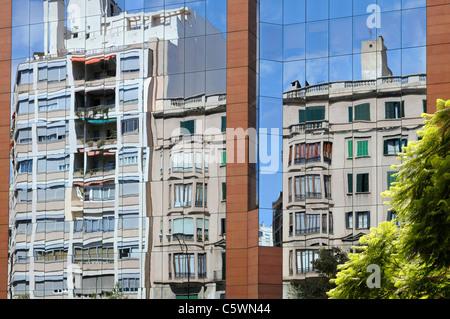 Gebäude mit Glaspaneelen, Palma, Mallorca, Spanien, Europa. - Building with glass panels, Palma, Majorca, Spain, - Stock Photo