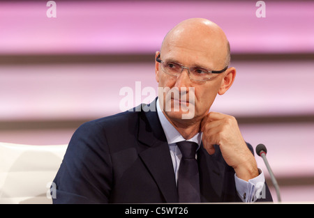 Timotheus Hoettges, CFO Deutsche Telekom, news conference, Bonn, Germany. - Stock Photo