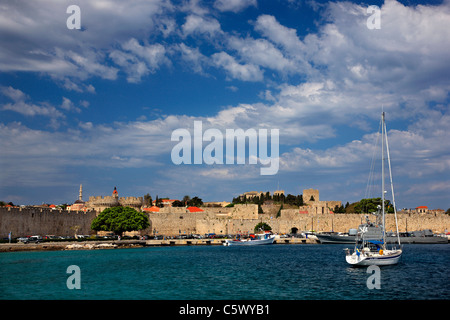 The seaside walls, at Sahtouri coast,  of the Medieval town of Rhodes (World Heritage site by UNESCO), Greece - Stock Photo