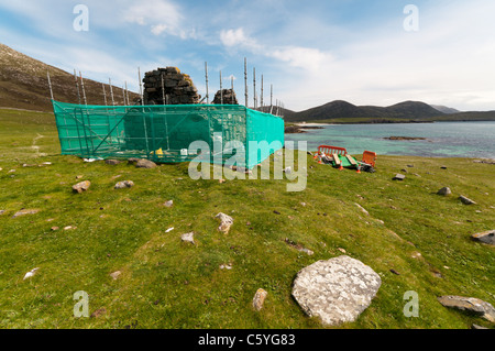 Restoration work being carried out to the ruined 16th century chapel on Rubha an Teampaill, South Harris in the - Stock Photo