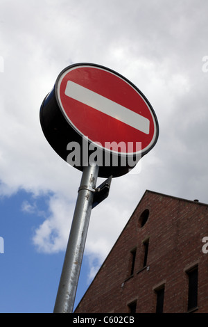 Vehicular No Entry reflective road sign - Stock Photo